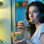 4 mauvaises habitudes qui nous font grossir