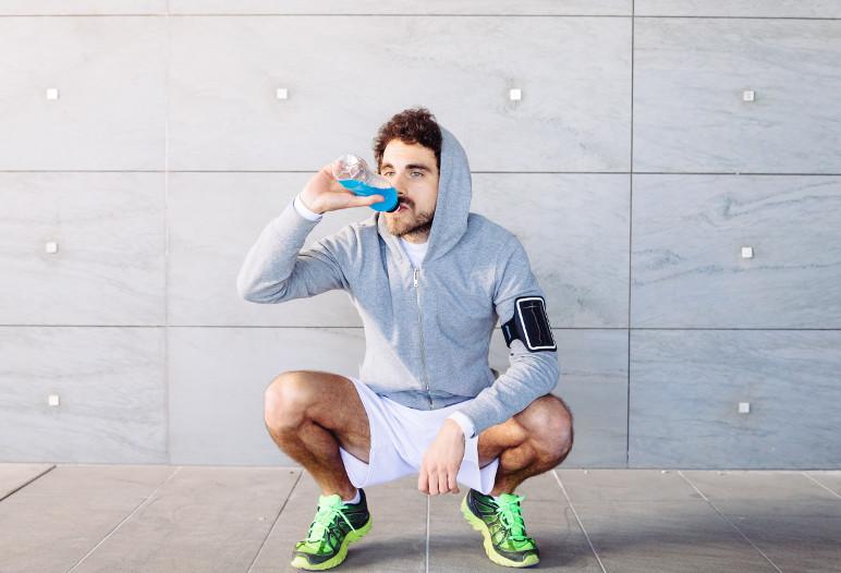 Les boissons énergétiques sont à éviter - Istock