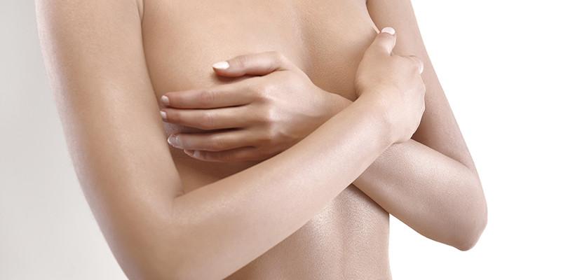 Auto palpation des seins (iStock)