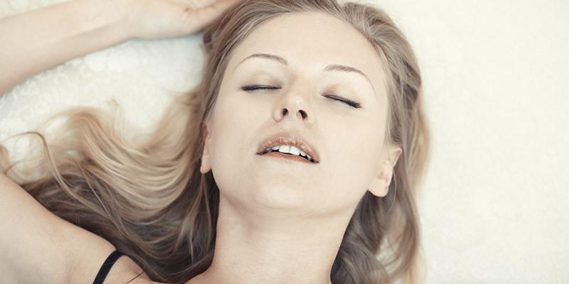 Dormir sur le dos (iStock)