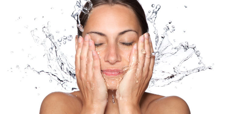 Nettoyer la peau (Istock)