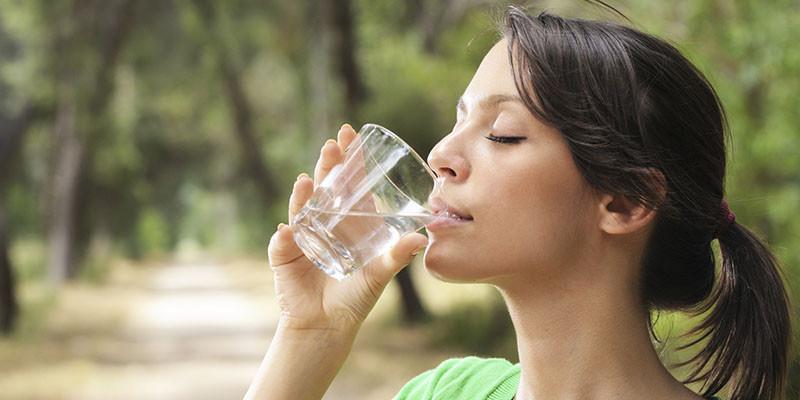 Buvez beaucoup d'eau (iStock)
