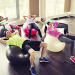 7 exercices pour affiner ses jambes avec la fit ball